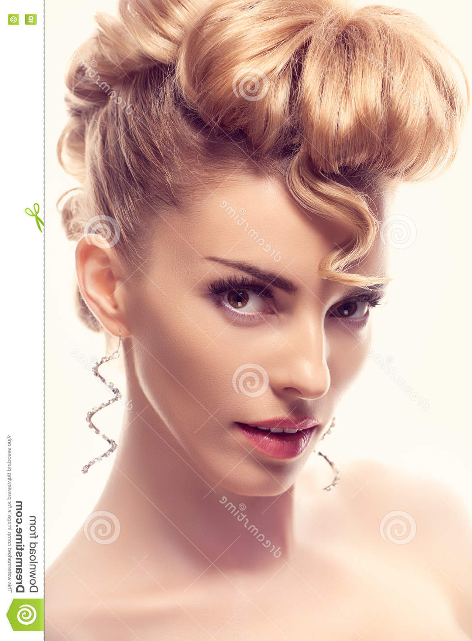 Most Recently Released Blonde Mohawk Hairstyles Regarding Fashion Natural Makeup (View 12 of 20)