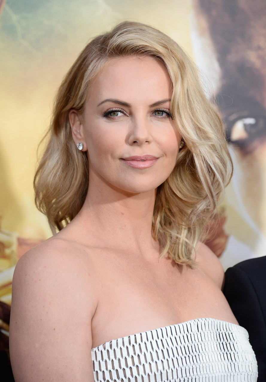 Most Recently Released Charlize Theron Medium Haircuts With Charlize Theron's Hairstyle For Blonde Girls (View 17 of 20)