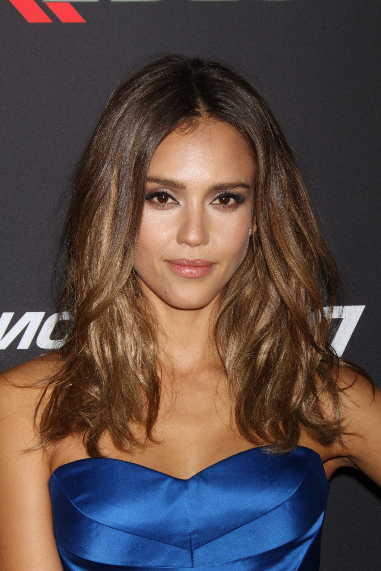 Most Recently Released Jessica Alba Medium Hairstyles With Jessica Alba Cut Her Hair: See Her New Bob Haircut (View 14 of 20)