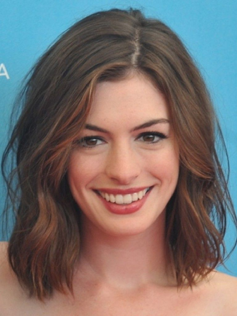 Most Up To Date Anne Hathaway Medium Hairstyles Intended For Anne Hathaway Hair. Cute Short Hair (View 13 of 20)