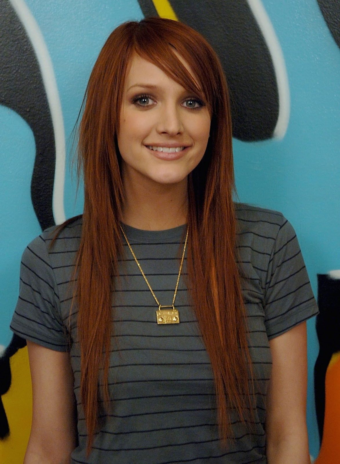 Most Up To Date Ashlee Simpson Medium Hairstyles Intended For Hairstyle Neo : Ashlee Simpson Hairstyles (View 7 of 20)