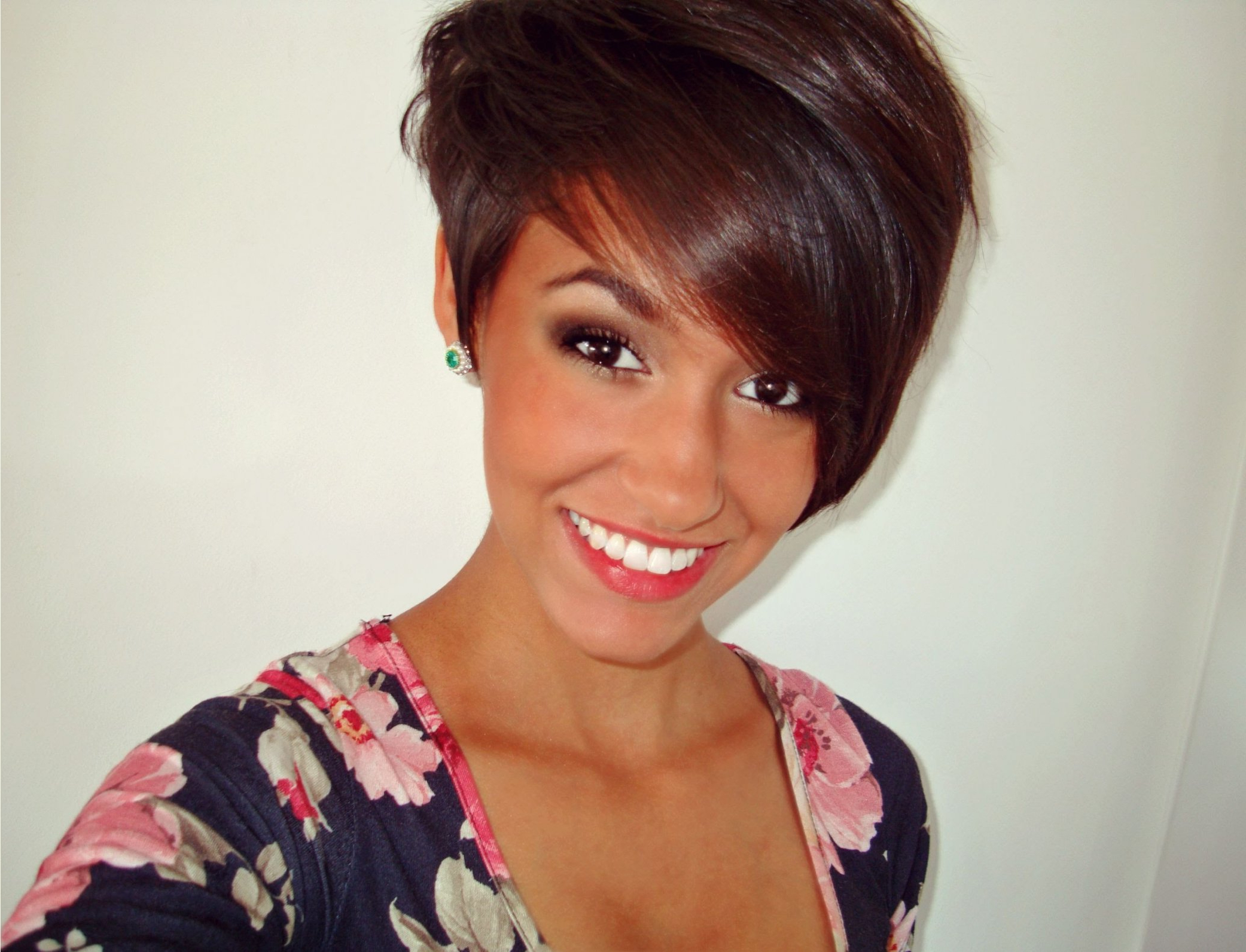 Most Up To Date Asymmetric Medium Haircuts Regarding Style Asymmetrical Haircut Horrible How (View 13 of 20)