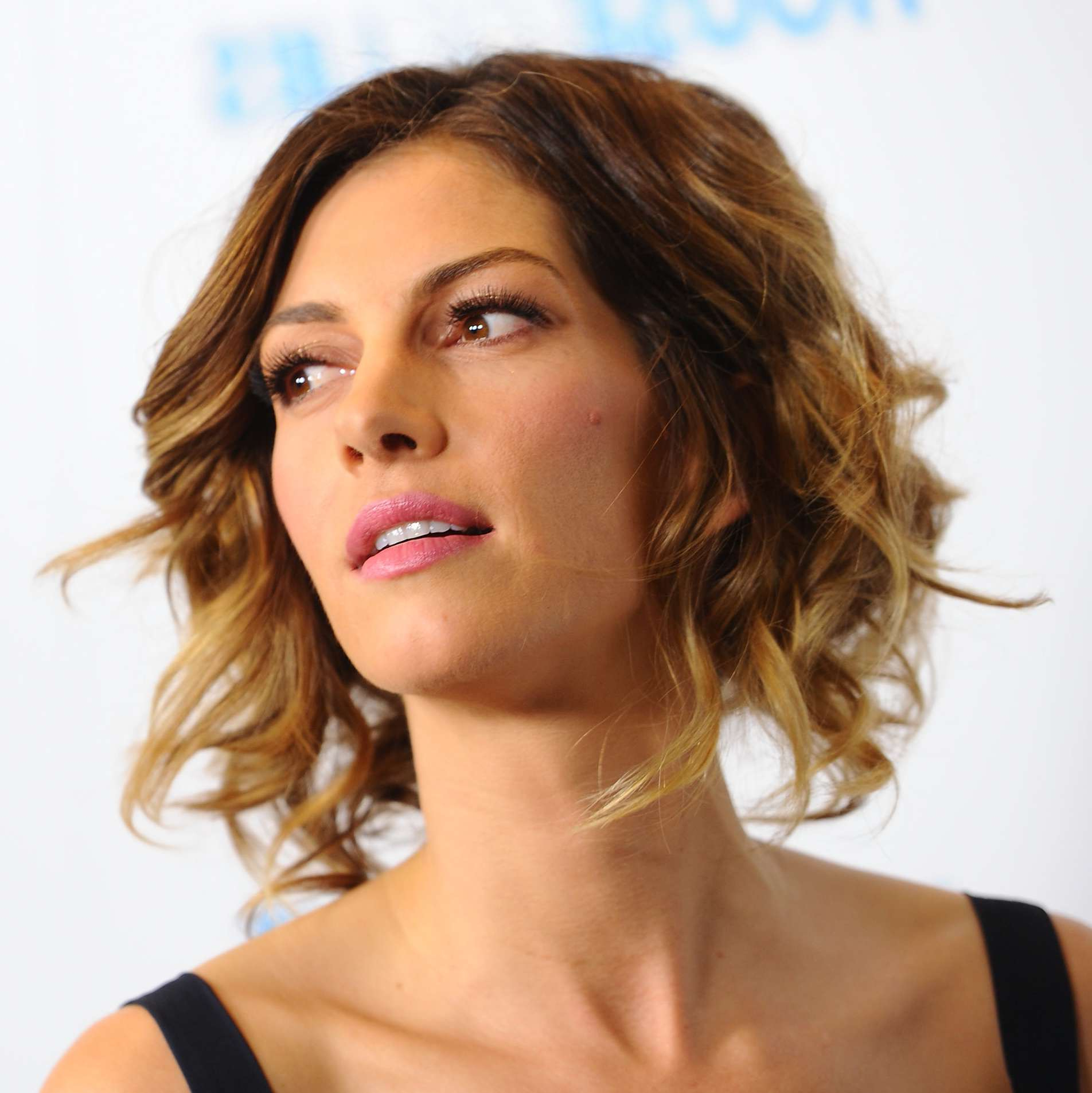 Most Up To Date Cute Shaggy Medium Haircuts For From Short To Long: 24 Fabulous Shag Haircuts (View 15 of 20)