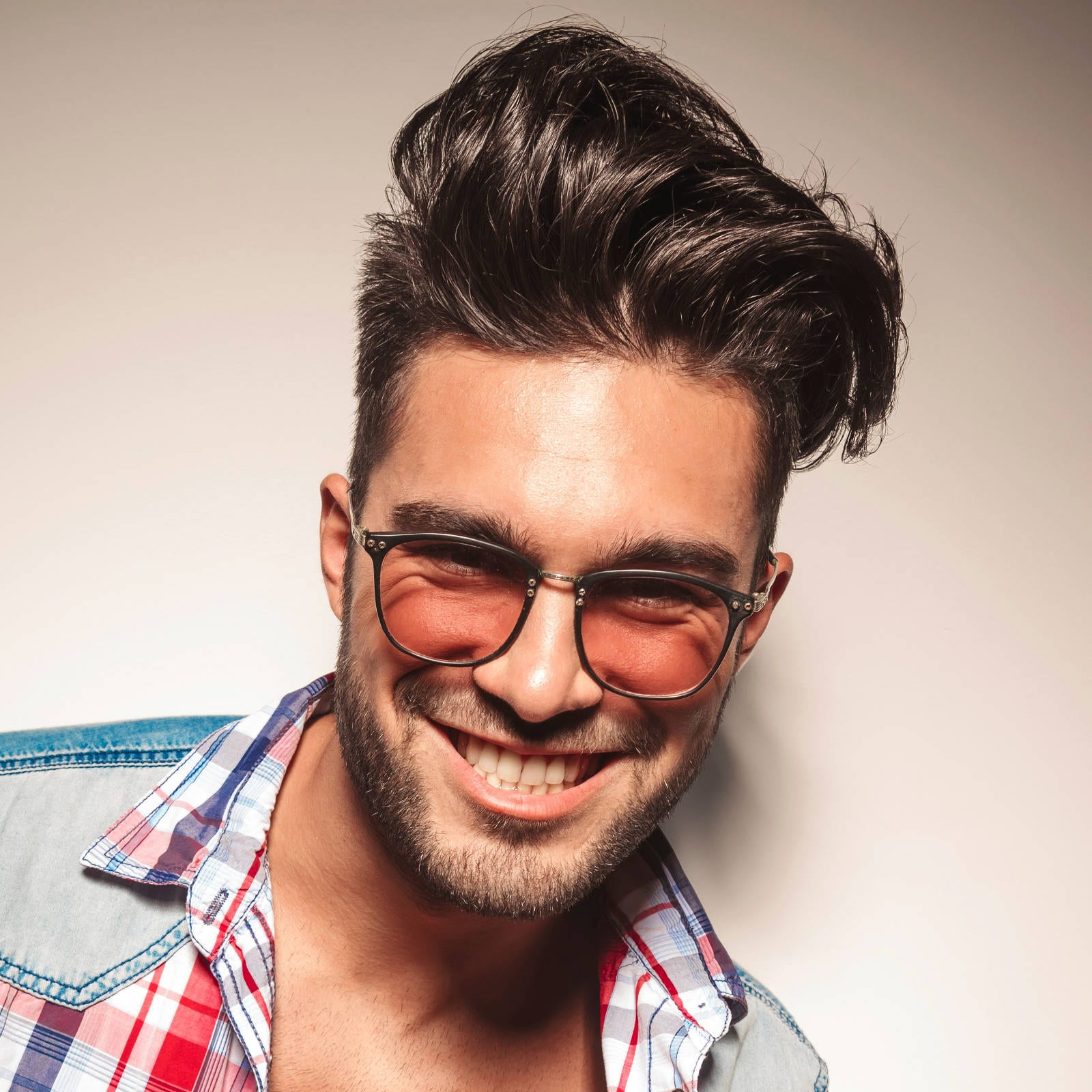 Most Up To Date Medium Haircuts For Glasses Intended For 40 Favorite Haircuts For Men With Glasses: Find Your Perfect Style (View 7 of 20)