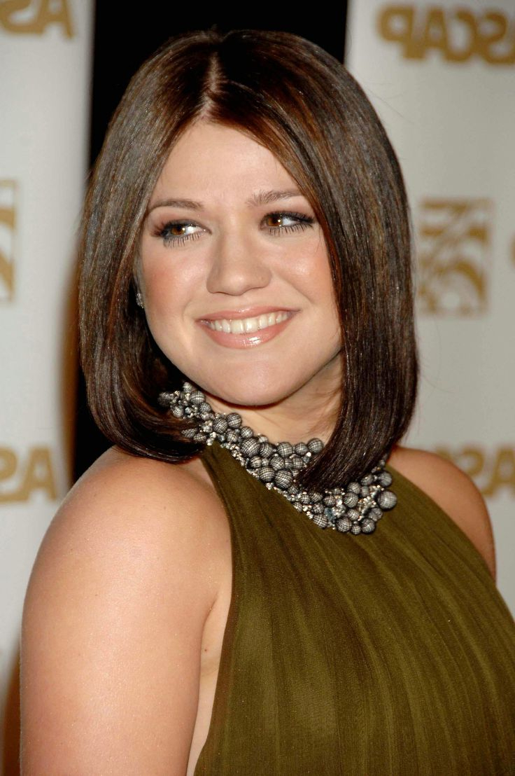 Most Up To Date Symmetrical Medium Haircuts Within 12 Best Medium Haircuts For Round Faces You Should Try (View 18 of 20)