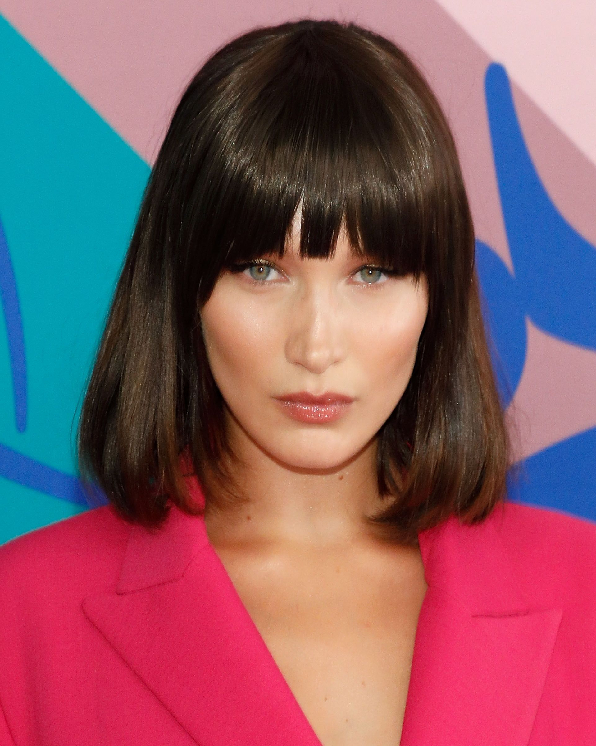 Newest Brunette Feathered Bob Hairstyles With Piece Y Bangs Inside 50+ Cute Bob And Lob Haircuts 2018 – Best Celebrity Long Bob Hairstyles (View 12 of 20)