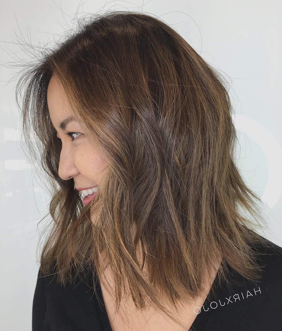 Newest Medium Haircuts For Thick Straight Hair In Haircut : View Medium Haircuts For Thick Straight Hair Design Ideas (View 14 of 20)