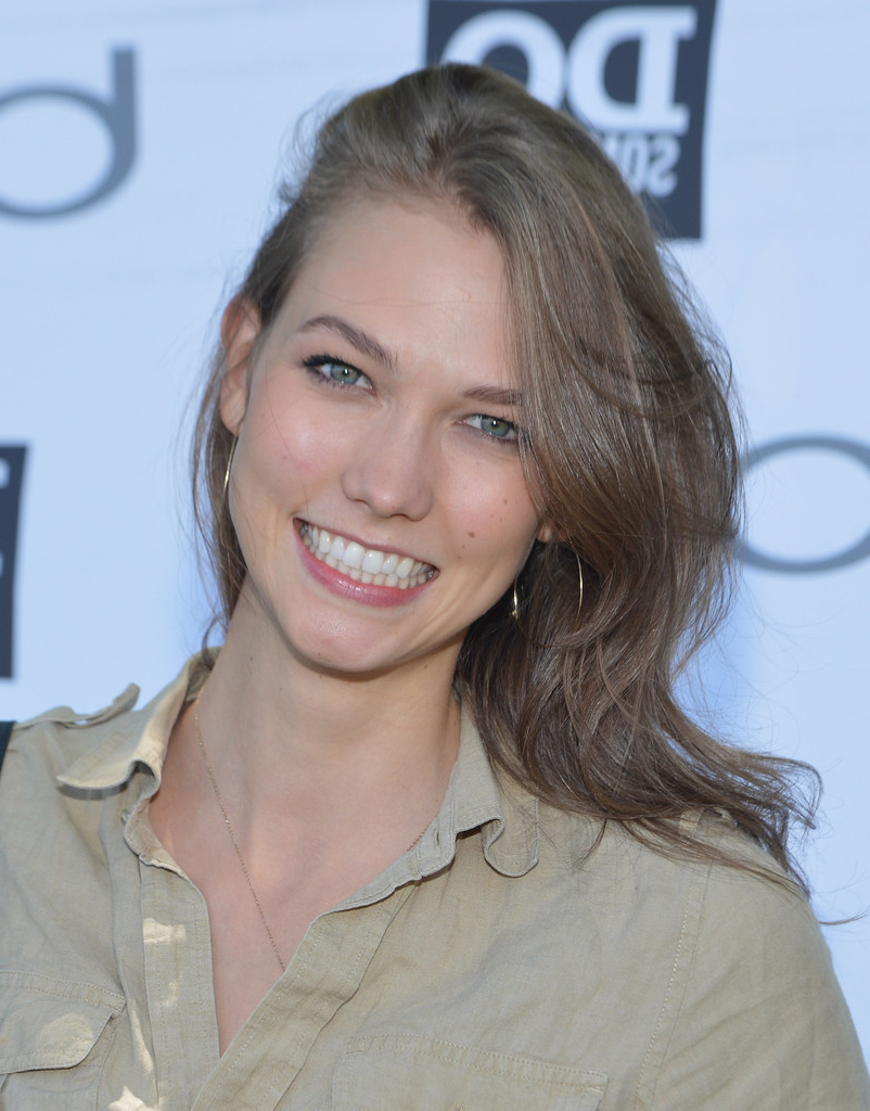 Pictures Of Karlie Kloss Shoulder Length Hair – Kidskunst Within Best And Newest Karlie Kloss Medium Haircuts (View 16 of 20)