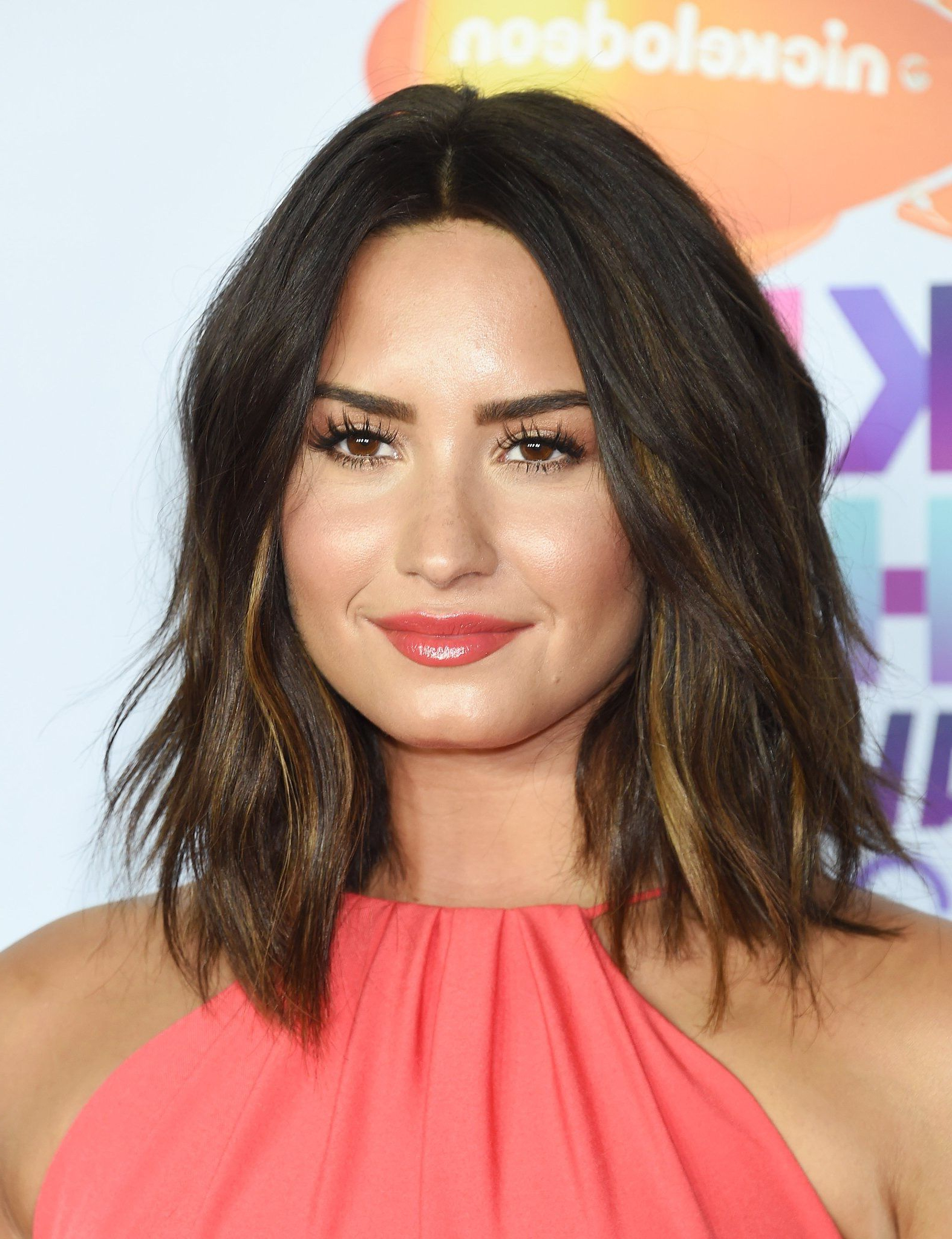 Featured Photo of Demi Lovato Medium Hairstyles