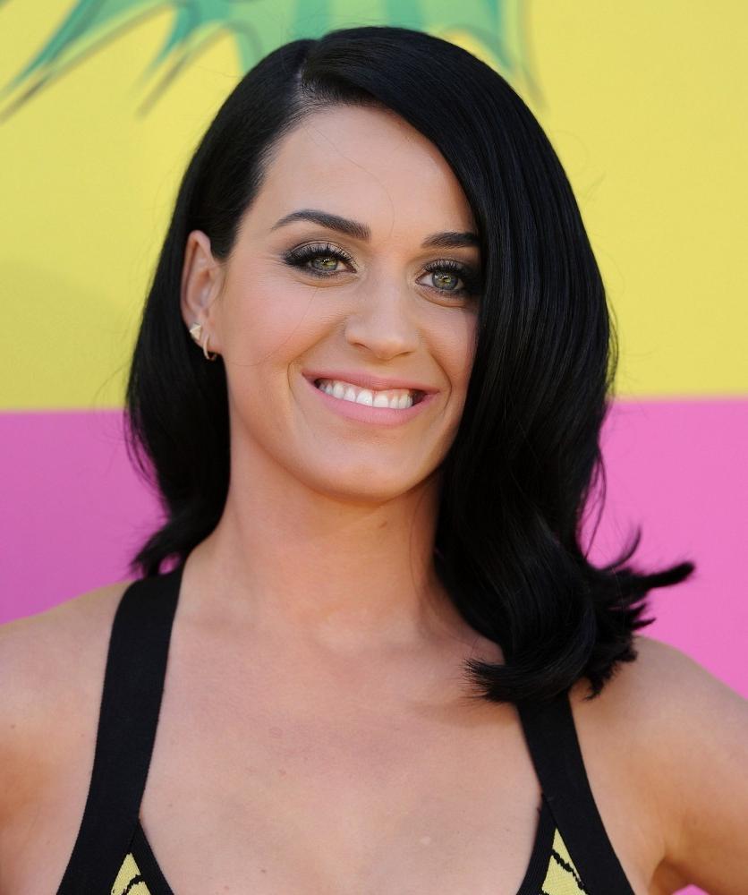 Popular Katy Perry Medium Hairstyles Regarding Katy Perry Medium Wavy Cut – Katy Perry Shoulder Length Hairstyles (View 10 of 20)