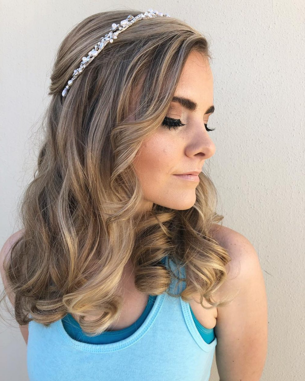 Popular Medium Hairstyles With Headband In Prom Hairstyles For Medium Length Hair – Pictures And How To's (View 16 of 20)