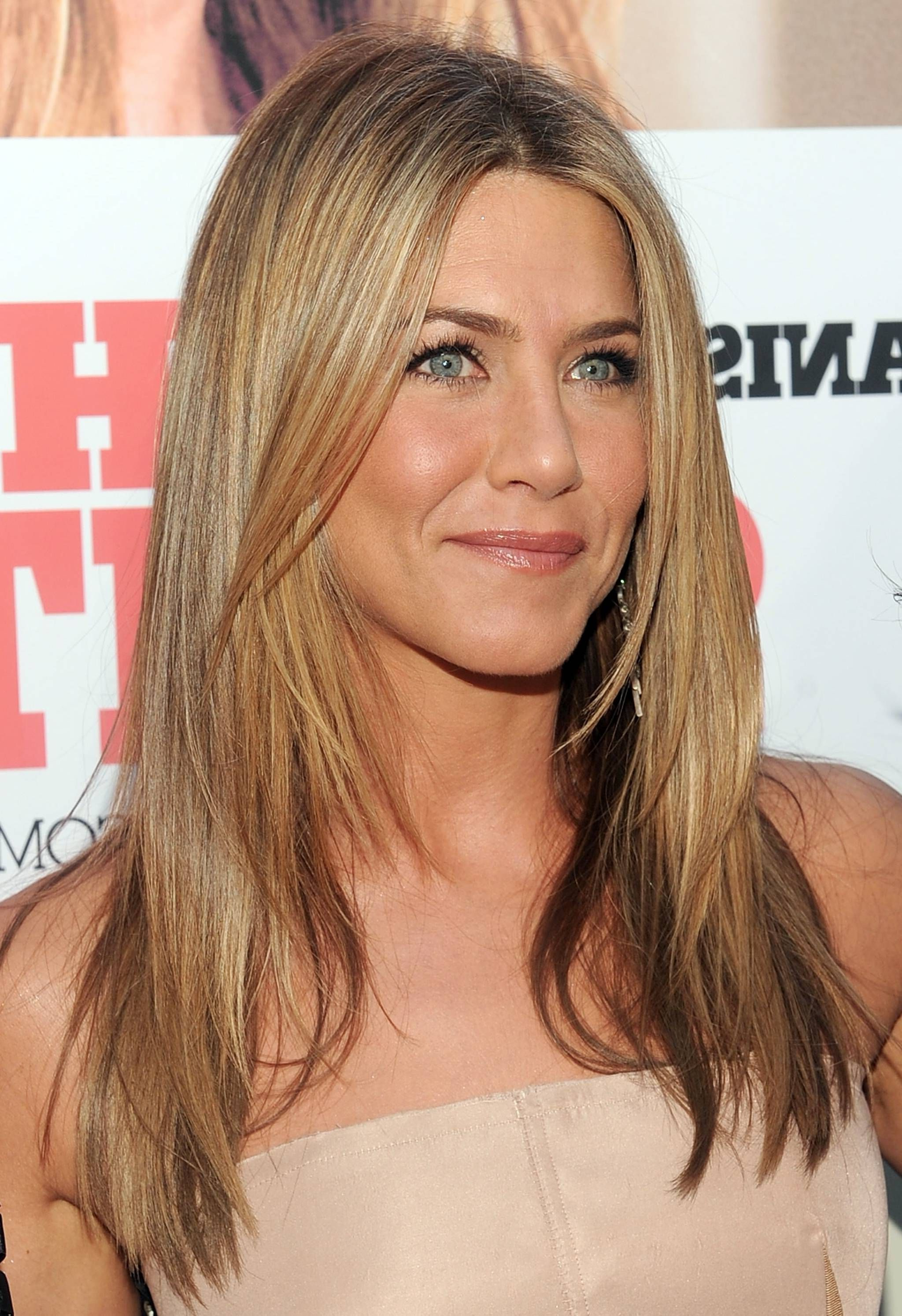 Popular Oval Face Shape Medium Haircuts Within Medium Long Layer Brown Hair Oval Face Shape – Women Medium Haircut (View 4 of 20)