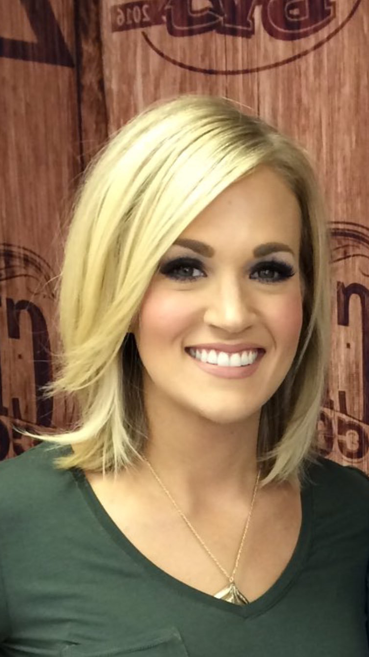 Preferred Carrie Underwood Medium Haircuts Within Carrie Underwood ✾ (View 17 of 20)