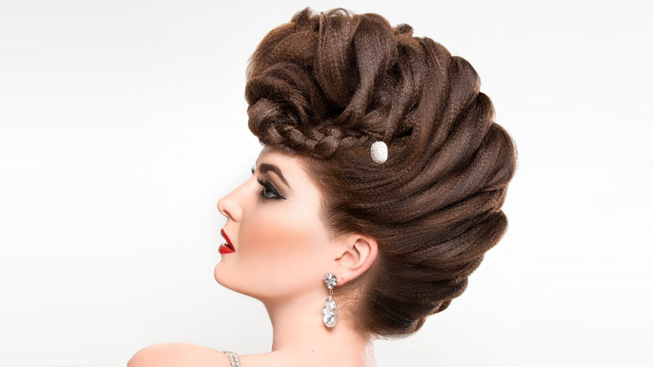 Preferred French Braid Pinup Faux Hawk Hairstyles Throughout How To Create A French Braided Fauxhawk (View 11 of 20)