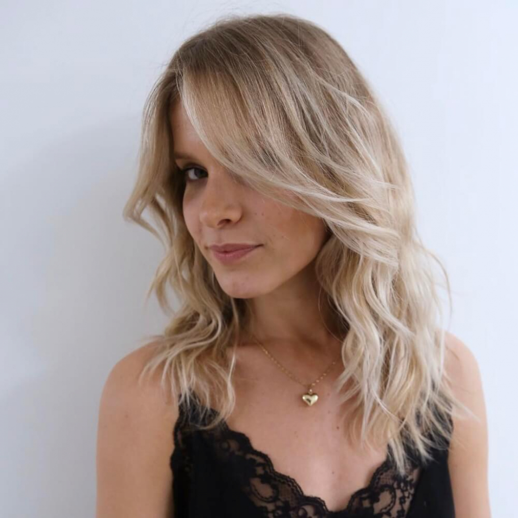 Preferred Medium Feathered Haircuts For Thick Hair Regarding Photos Of Medium Length Blonde Hairstyles For Thick Hair (View 18 of 20)