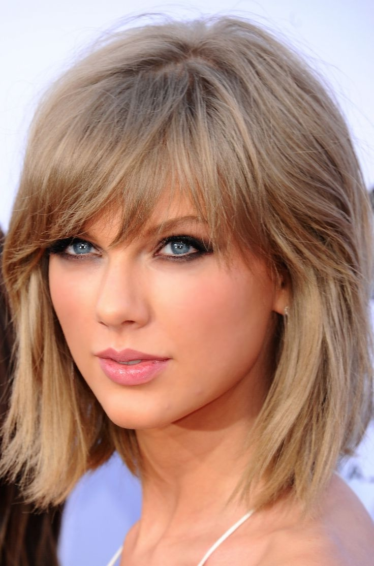 Preferred Taylor Swift Medium Hairstyles With Taylor Swift Haircuts – 30 Taylor Swift's Signature Hairstyles (View 6 of 20)