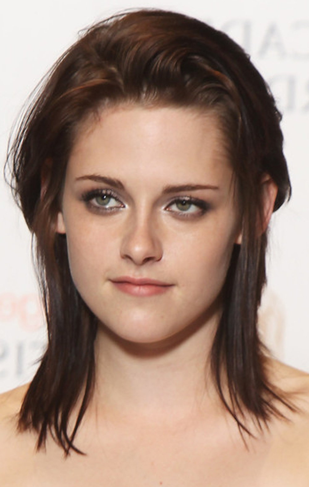 Pretty Medium Length Haircuts For Women With Regard To Current Kristen Stewart Medium Hairstyles (View 6 of 20)