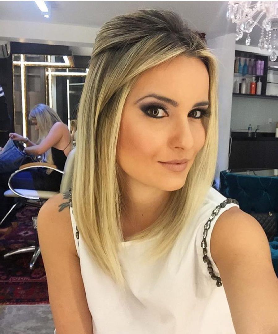 Recent Feminine Medium Haircuts Pertaining To Hair Cuts : Mid Length Haircuts For Fine Hair Feminine Haircut Thin (Gallery 19 of 20)