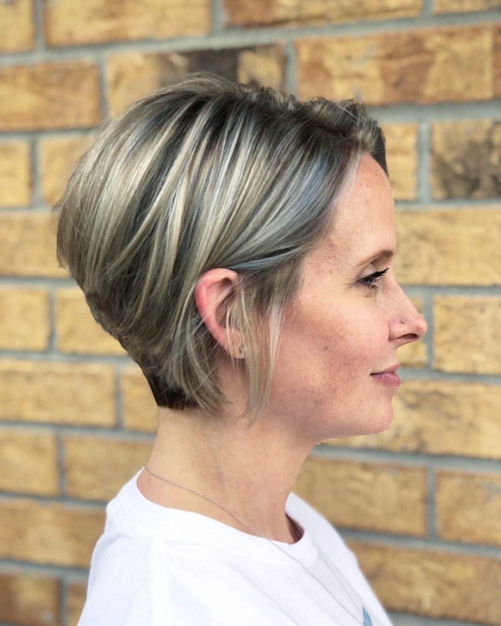 Recent Stylish Medium Haircuts For Women Over 40 Within 42 Sexiest Short Hairstyles For Women Over 40 In 2019 (Gallery 5 of 20)