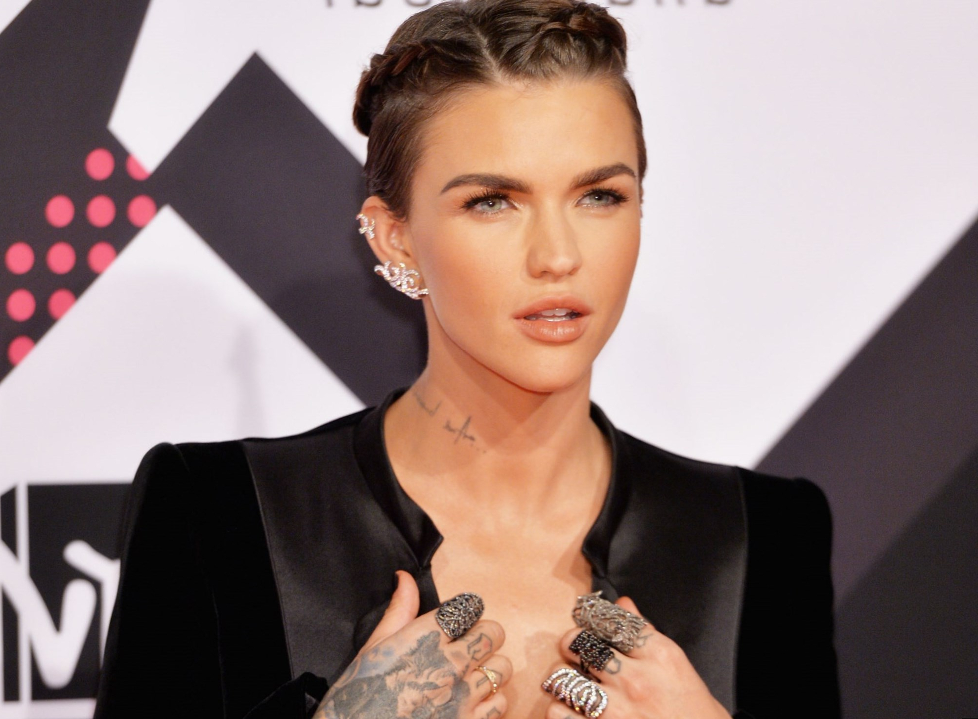 Ruby Rose Celebrity Hair Changes. Really? In Famous Ruby Rose Medium Hairstyles (Gallery 8 of 20)