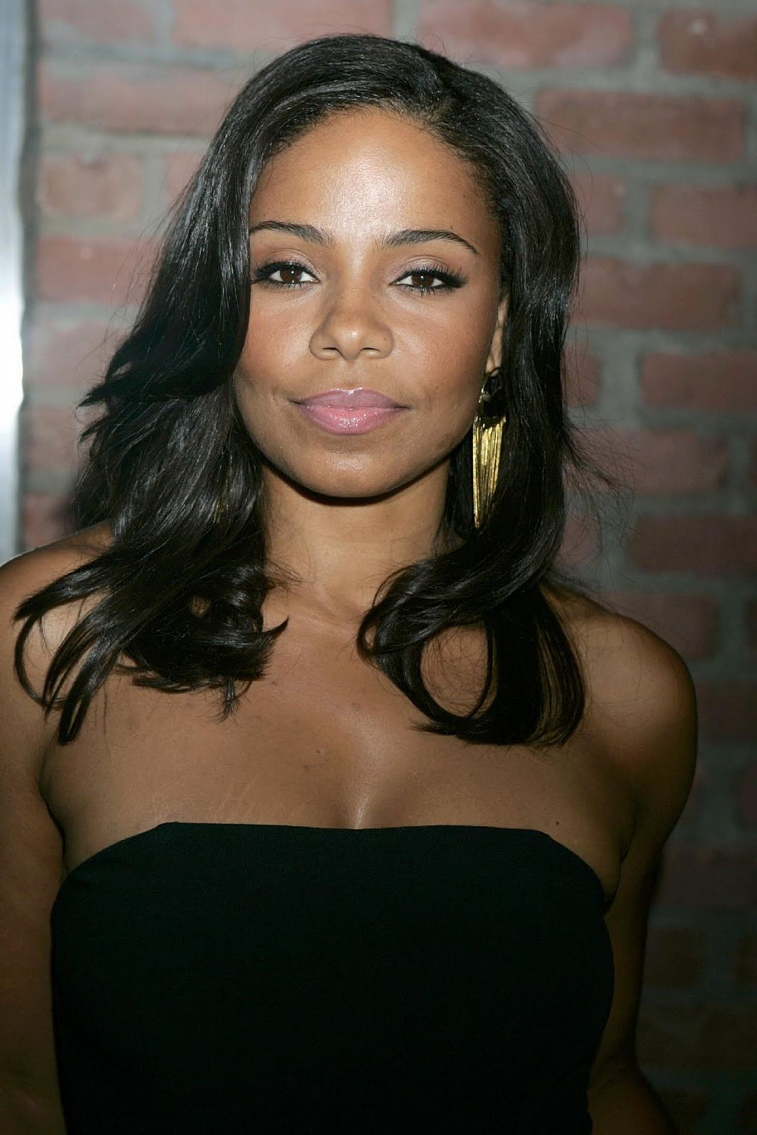 Sanaa Lathan Medium Length Black Curly Hairstyles (View 15 of 20)