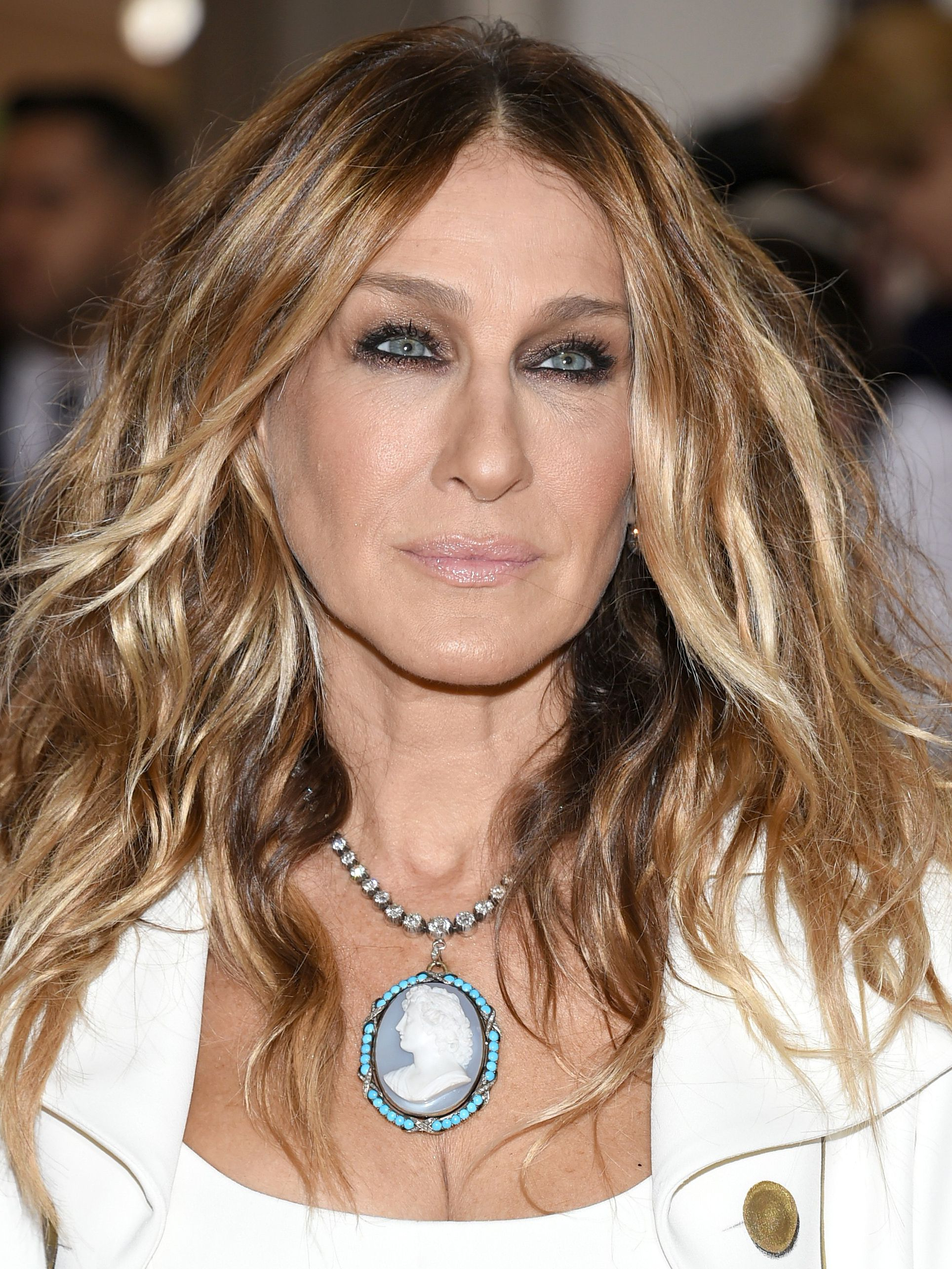 Sarah Jessica Parker Skips The Met Gala For The First Time Since Regarding 2017 Sarah Jessica Parker Medium Hairstyles (Gallery 17 of 20)