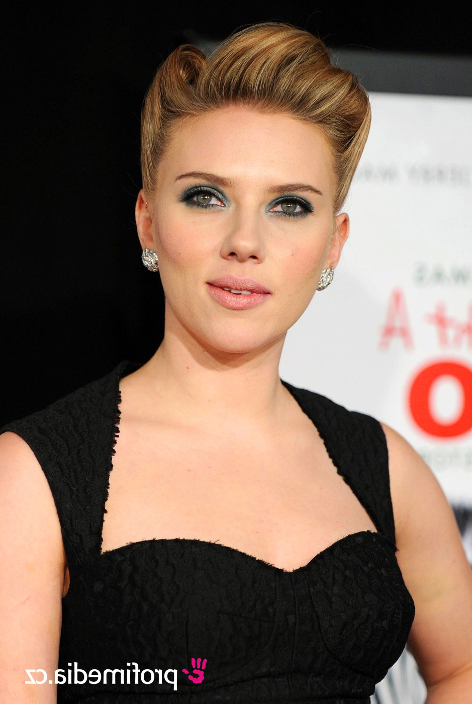 Scarlett Johansson – – Hairstyle – Easyhairstyler For Most Recently Released Scarlett Johansson Medium Hairstyles (Gallery 17 of 20)