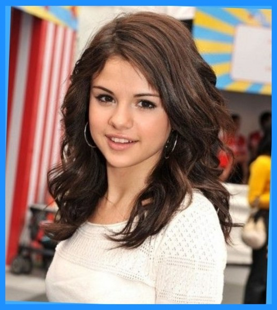 Selena Gomez Medium Haircut Selena Gomez Medium Haircut Selena Gomez With Fashionable Selena Gomez Medium Haircuts (Gallery 5 of 20)