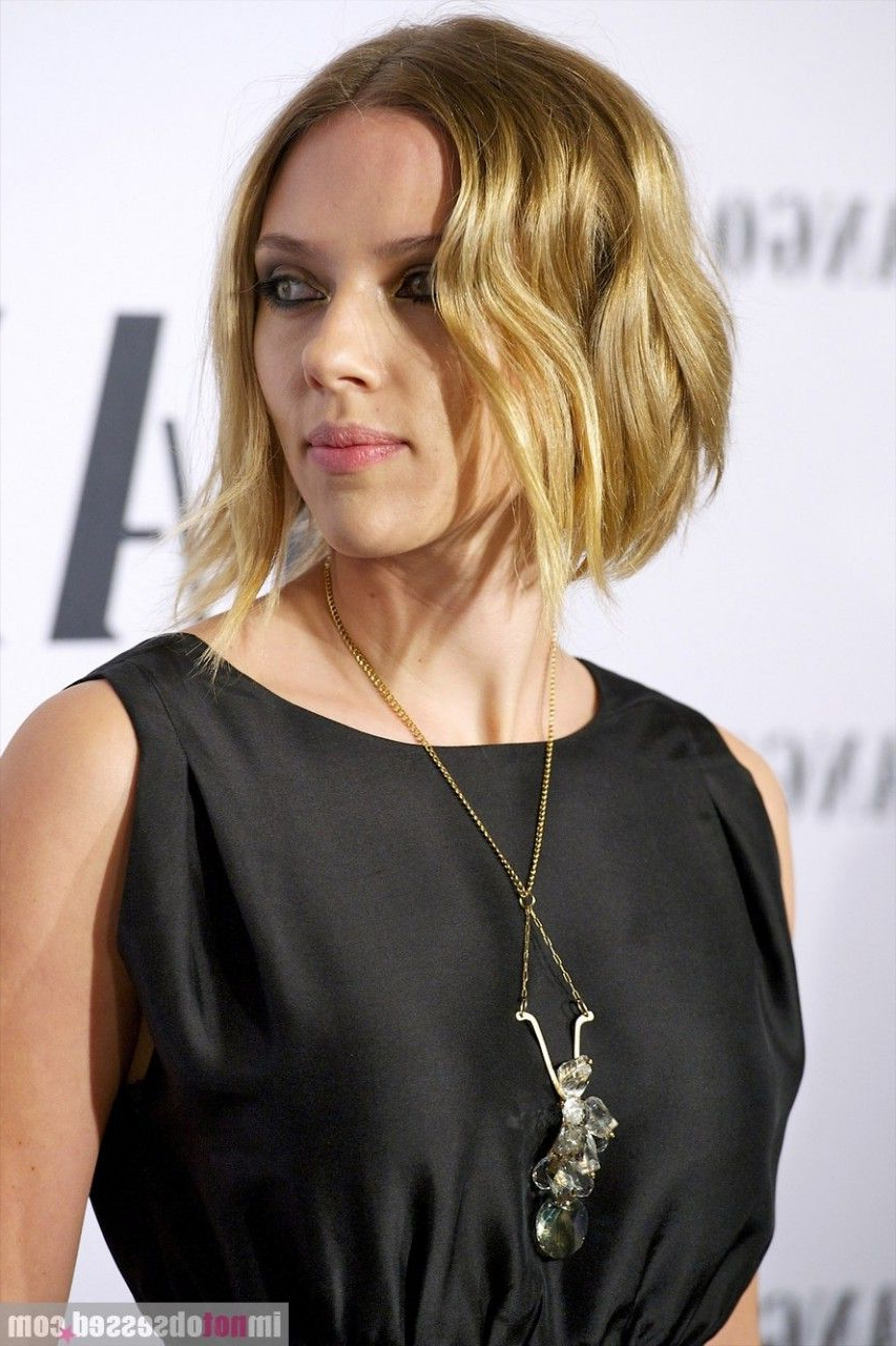 Short Hair Scarlett Johansson (Gallery 3 of 20)