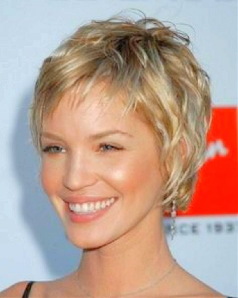 Short Haircut Styles : Pictures Of Short Haircuts For Fine Hair Throughout 2018 Cute Medium Haircuts For Thin Straight Hair (View 14 of 20)