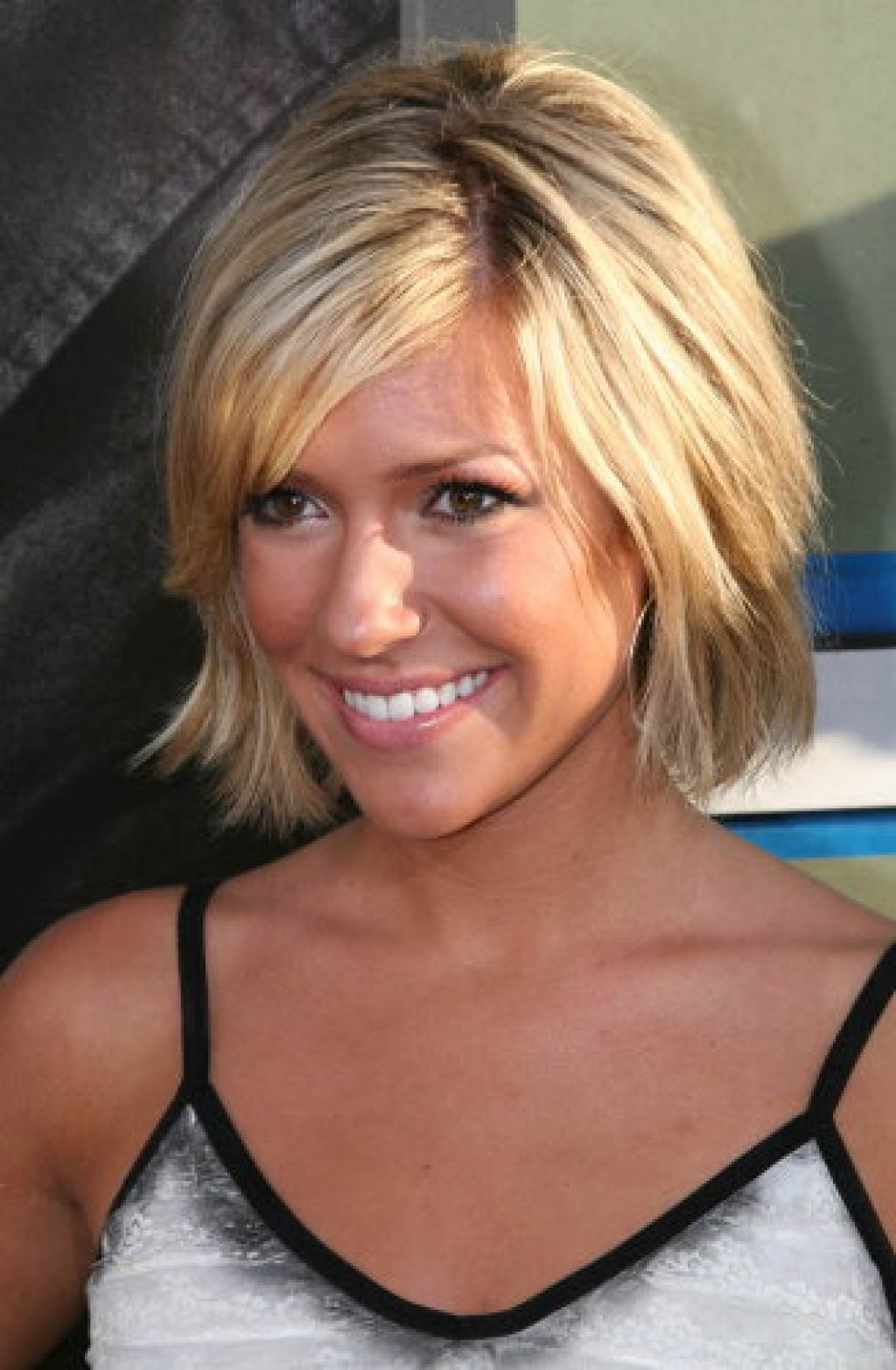 Short To Medium Hairstyles For Fine Hair – Leymatson Pertaining To Best And Newest Medium Hairstyles With Bangs For Fine Hair (View 16 of 20)