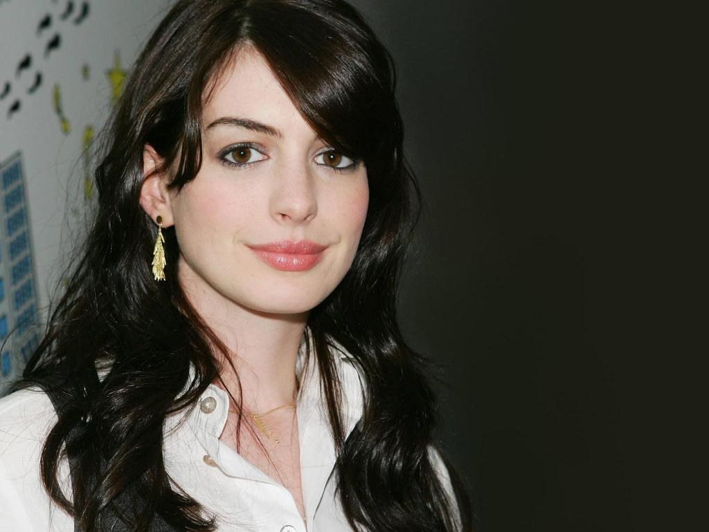 Simple Yet Stunning Anne Hathaway Hairstyles — Wedding Academy Creative Inside Well Known Anne Hathaway Medium Hairstyles (View 16 of 20)