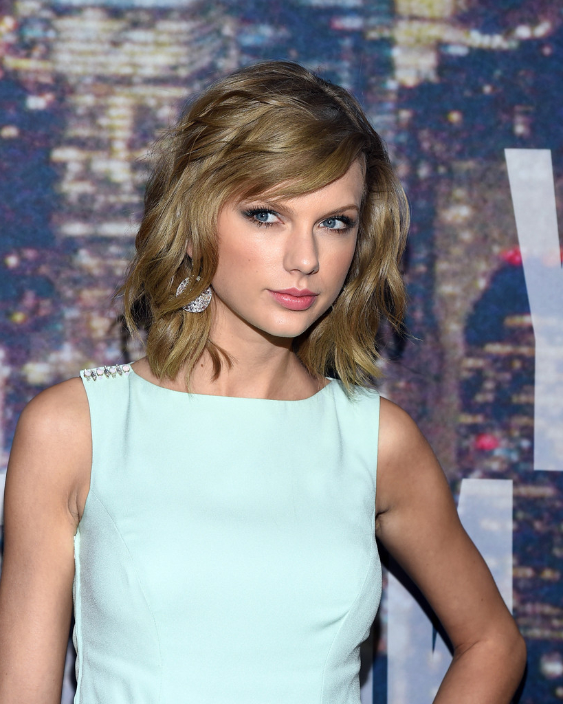 Taylor Swift Shoulder Length Hairstyles – Taylor Swift Hair With Regard To 2017 Taylor Swift Medium Hairstyles (View 17 of 20)
