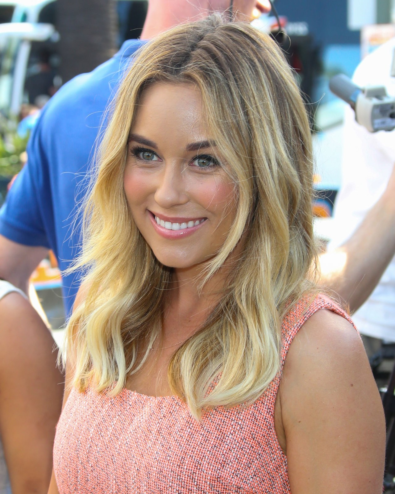 The 2 Makeup Products Responsible For Lauren Conrad's Glowing Skin Within Famous Lauren Conrad Medium Haircuts (View 19 of 20)
