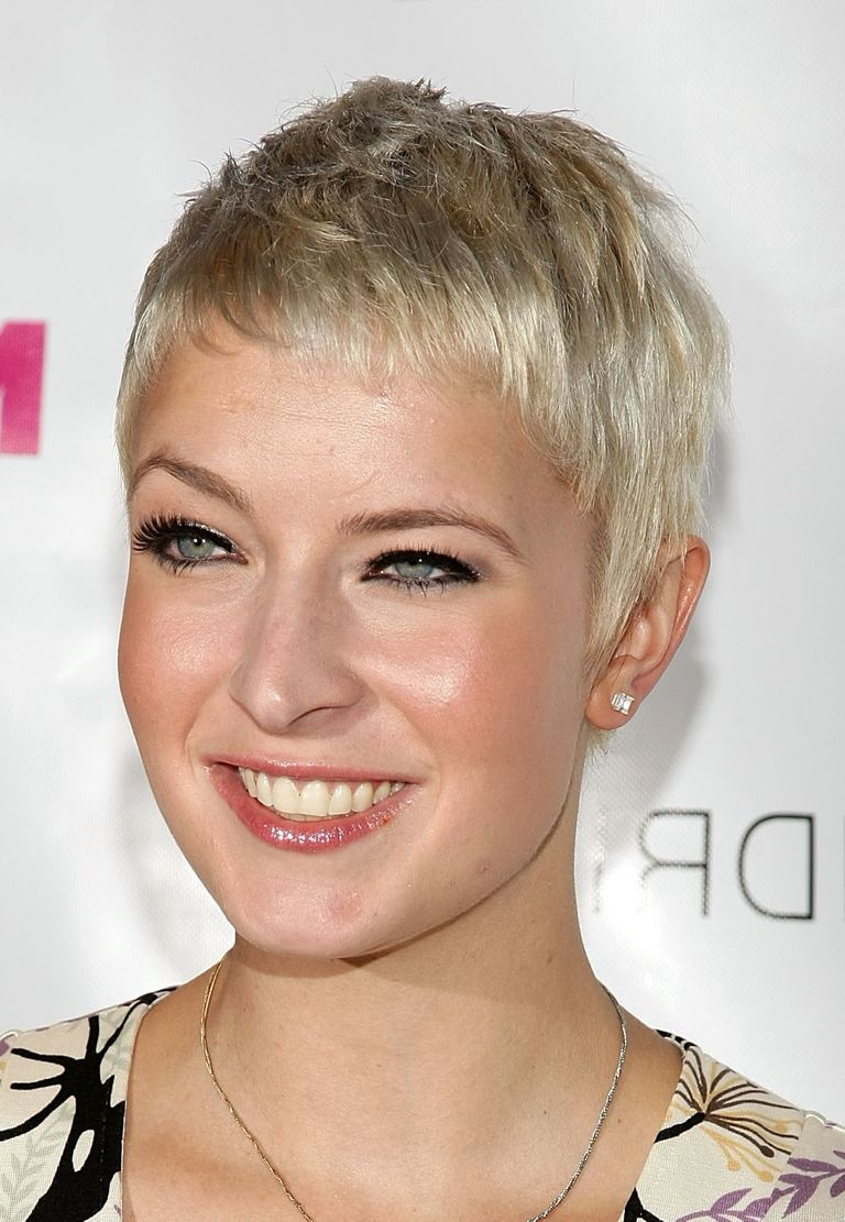 Trendy Medium Haircuts For Big Noses Throughout The Best, And Worst, Hairstyles For Square Shaped Faces (View 18 of 20)