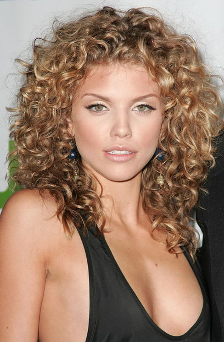 Trendy Medium Hairstyles Curly With Regard To Pintoni White On Hair Styles (View 18 of 20)
