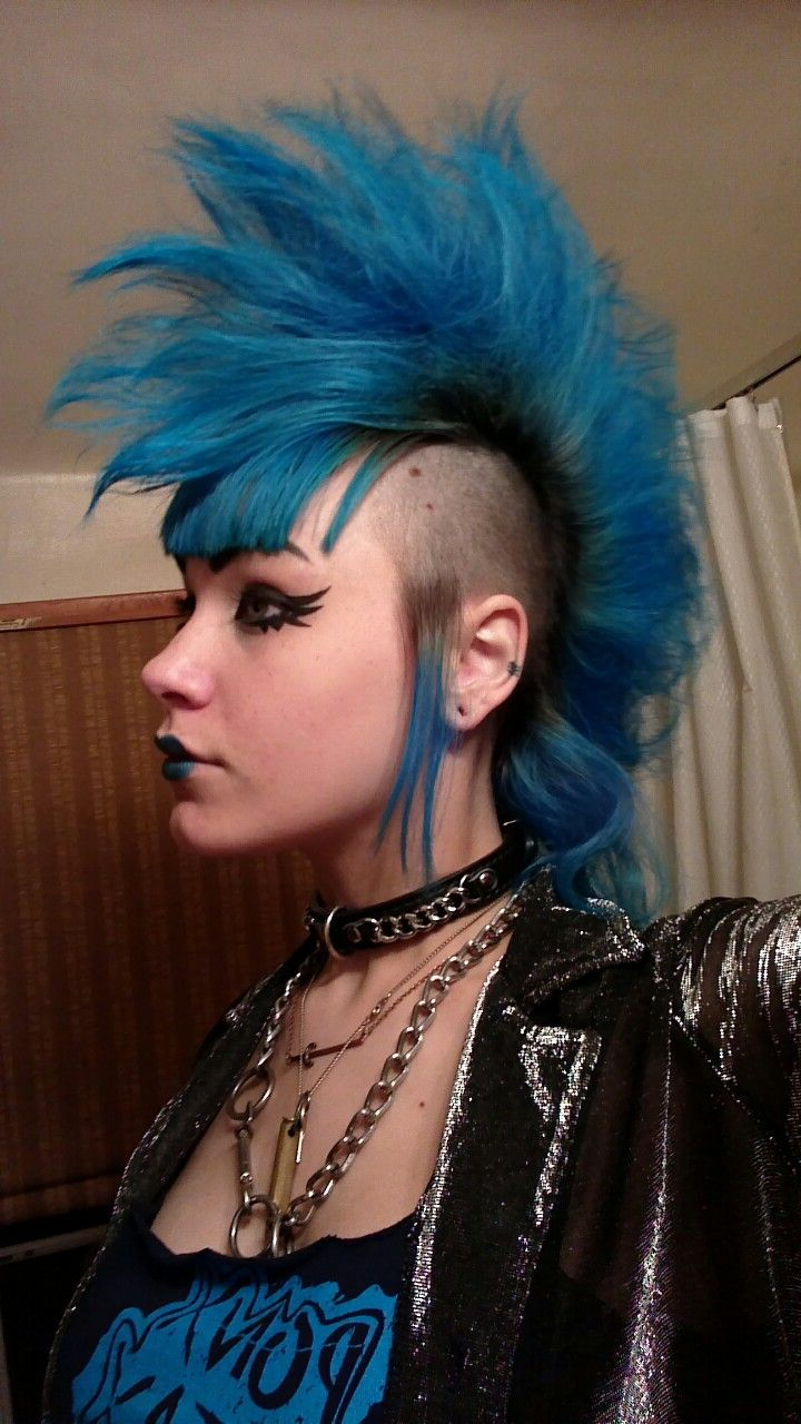 Trendy Punk Rock Princess Faux Hawk Hairstyles Intended For Selfie Mohawk (View 17 of 20)