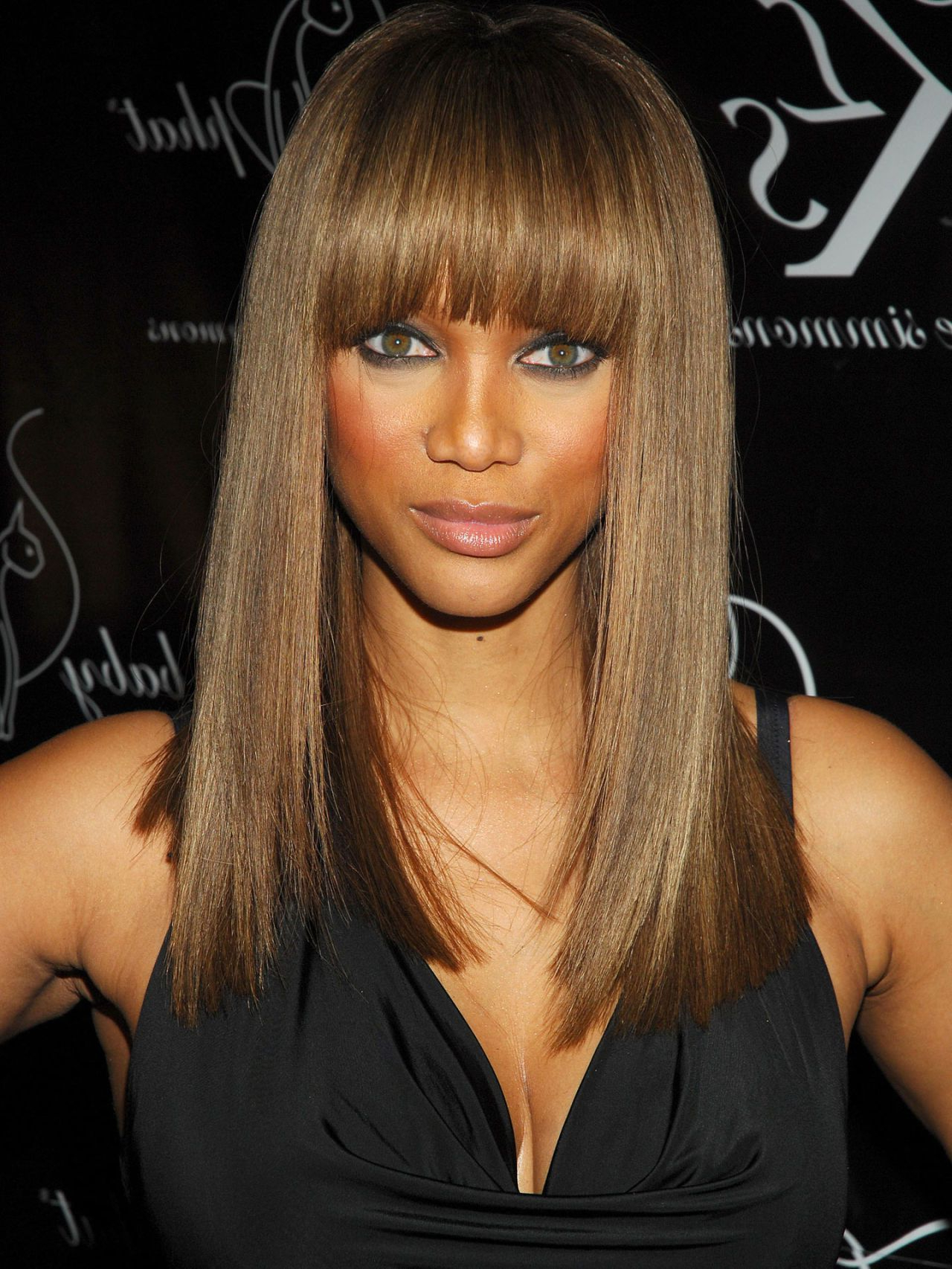 Tyra Bank, African Throughout Famous Tyra Banks Medium Hairstyles (View 15 of 20)