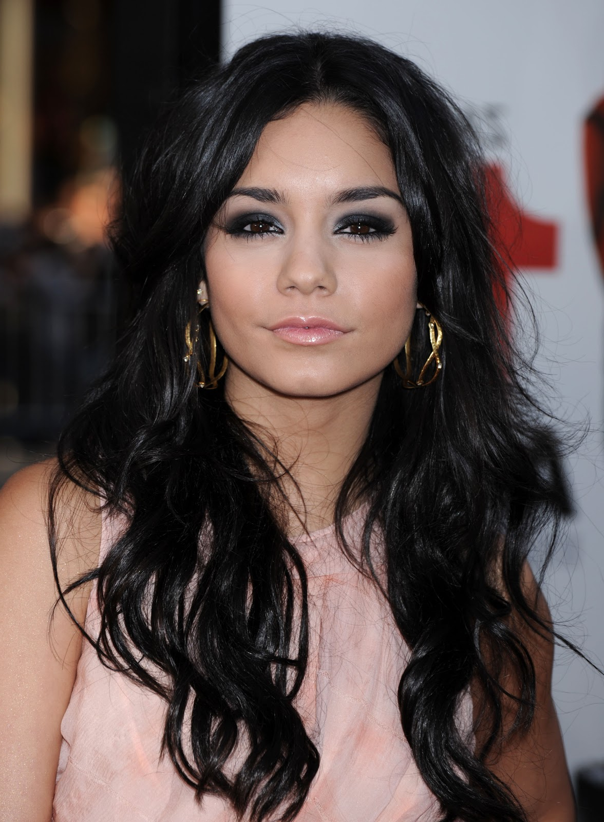 Vanessa Hudgens Hairstyles (Gallery 8 of 20)