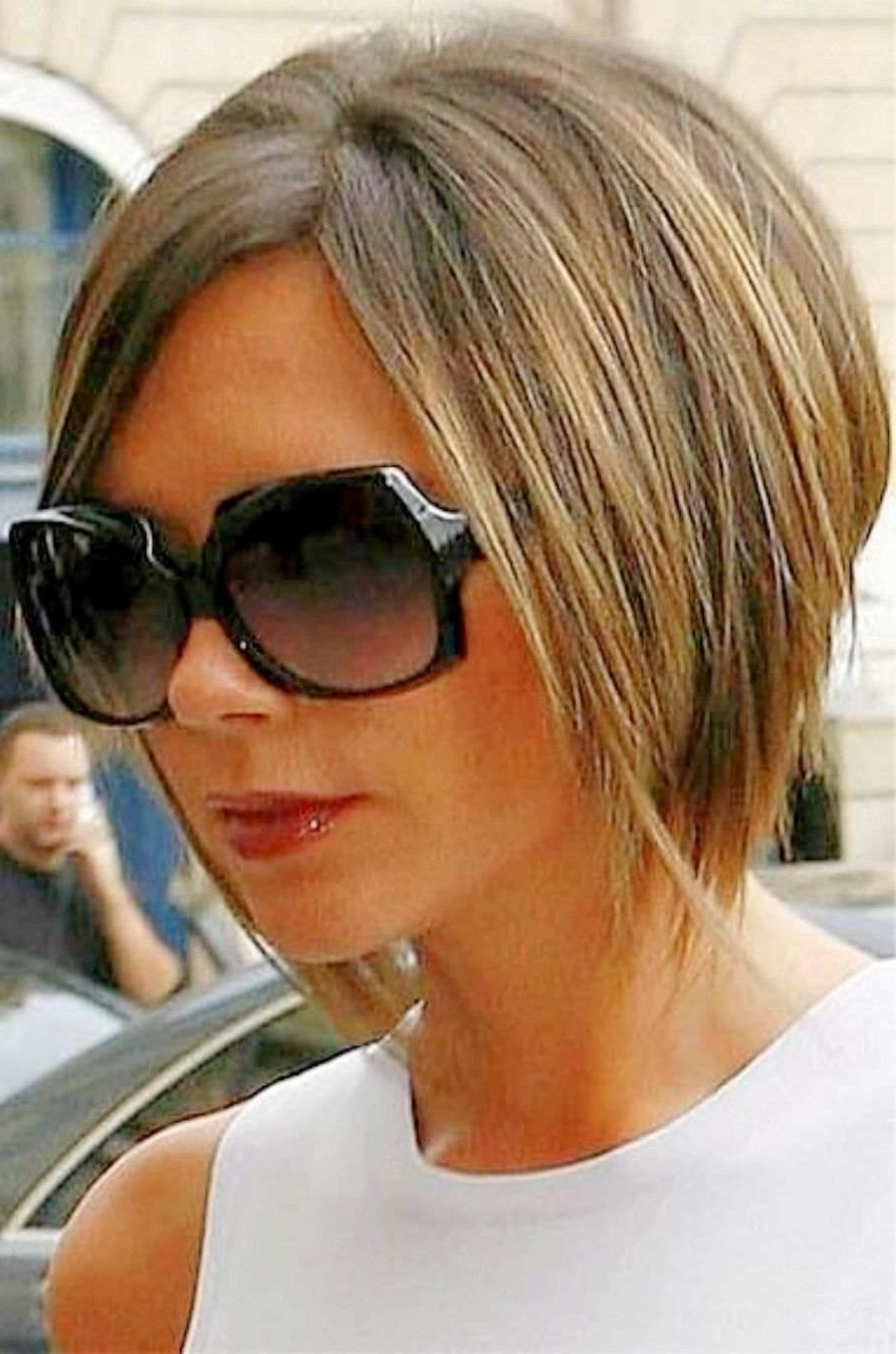 Victoria Beckham Hairstyles Side View (Gallery 1 of 20)