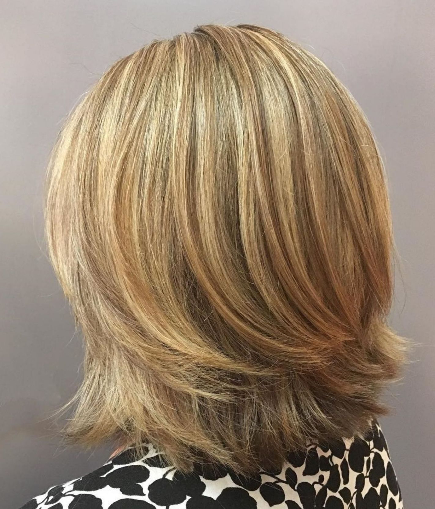 Well Known Bob Haircuts With Symmetrical Swoopy Layers Intended For 70 Brightest Medium Layered Haircuts To Light You Up (View 4 of 20)