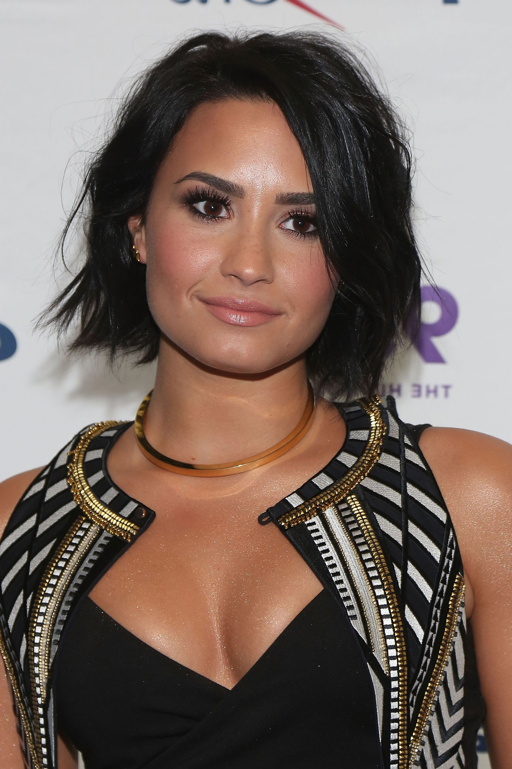 Well Liked Demi Lovato Medium Haircuts Regarding 15 Best Celebrity Bob Haircuts – Cute Bobs To Try For Summer  (View 20 of 20)