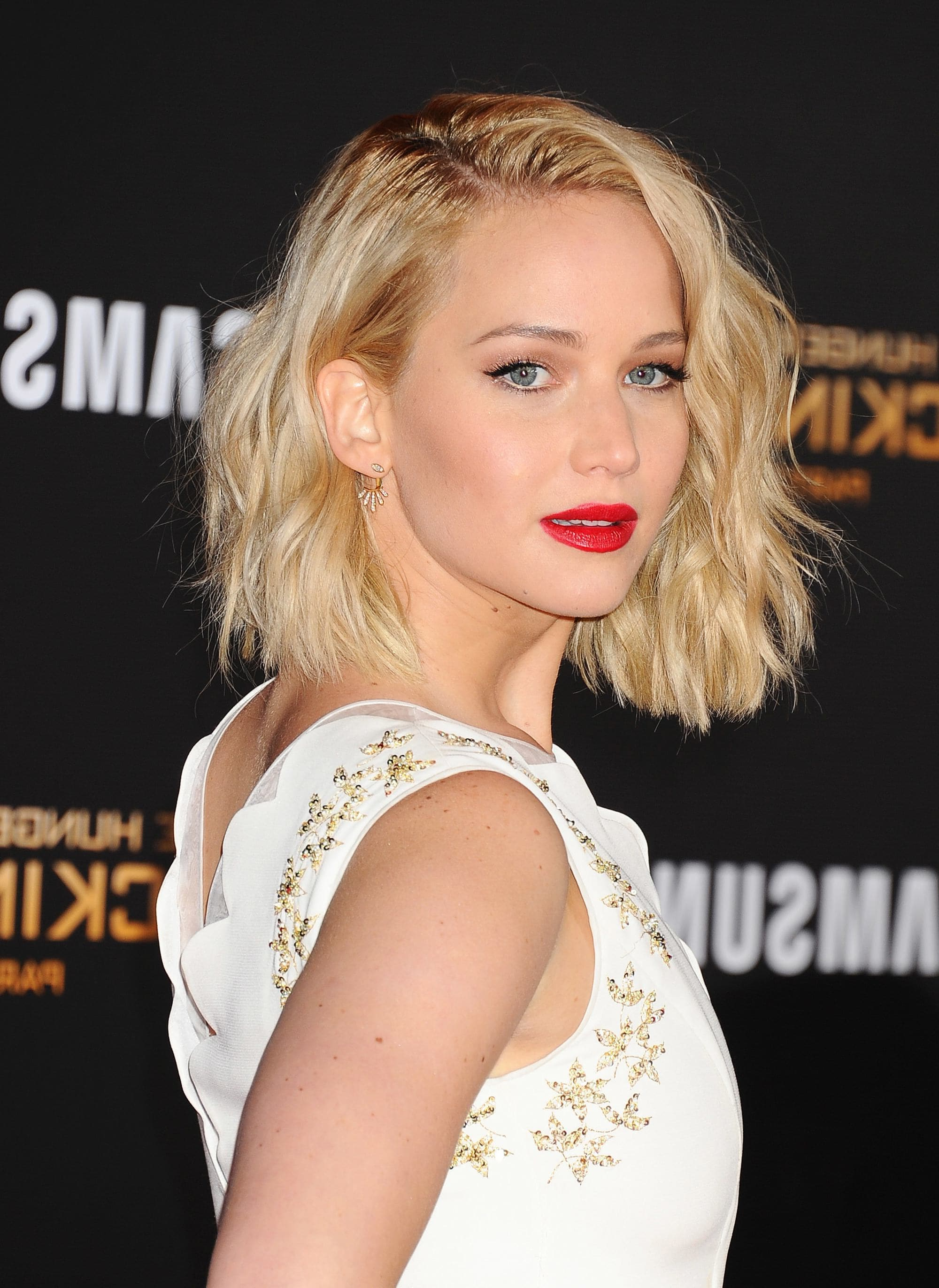 Well Liked Jennifer Lawrence Medium Haircuts Within Jennifer Lawrence's Hair Evolution: A Look Back At Her Best Hairstyles (View 20 of 20)
