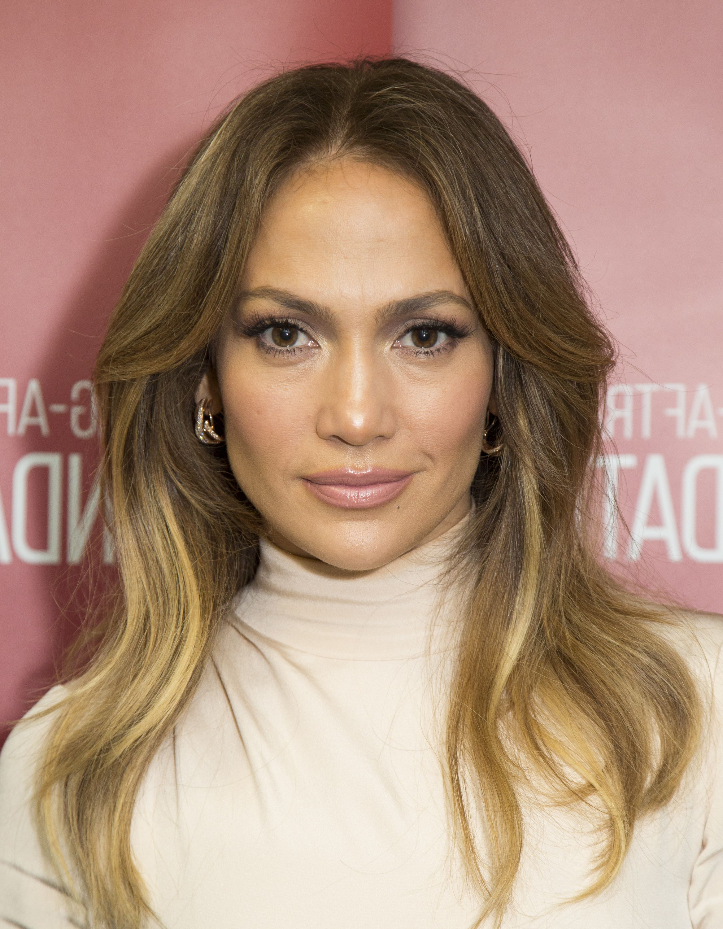 Well Liked Jennifer Lopez Medium Haircuts Throughout 22 Medium Length Hairstyles We Love – Best Mid Length Haircuts Of (View 10 of 20)