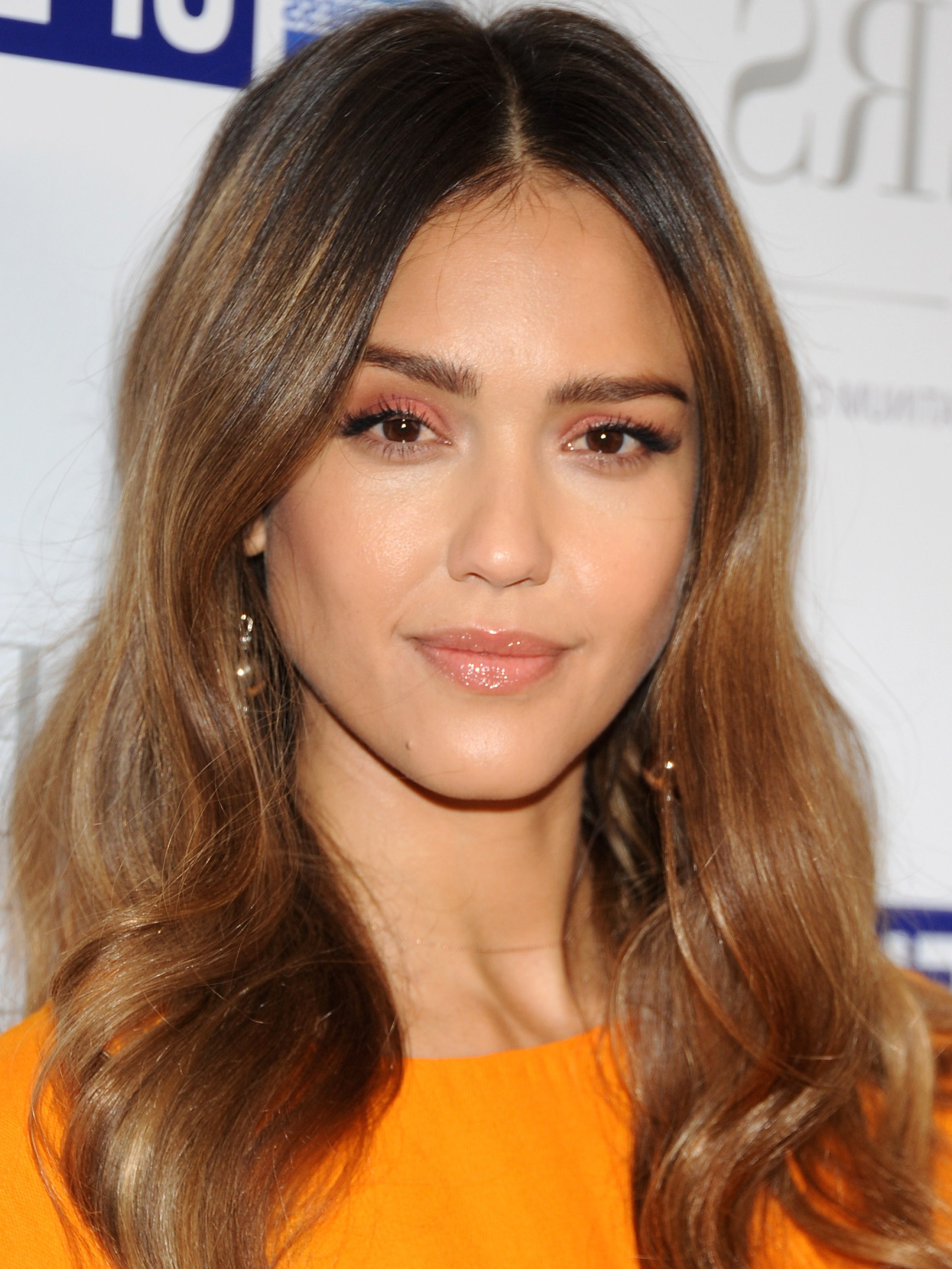 Well Liked Medium Hairstyles For Big Cheeks For The 10 Most Flattering Haircuts For Oval Faces – Allure (View 19 of 20)