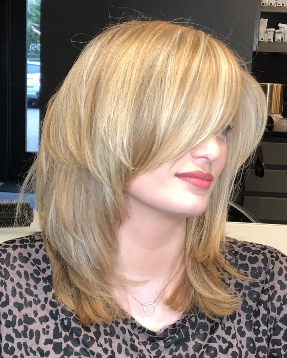 Well Liked Medium Hairstyles For Square Faces With Bangs Throughout 23 Perfect Medium Hairstyles For Square Faces (popular For 2019) (View 2 of 20)