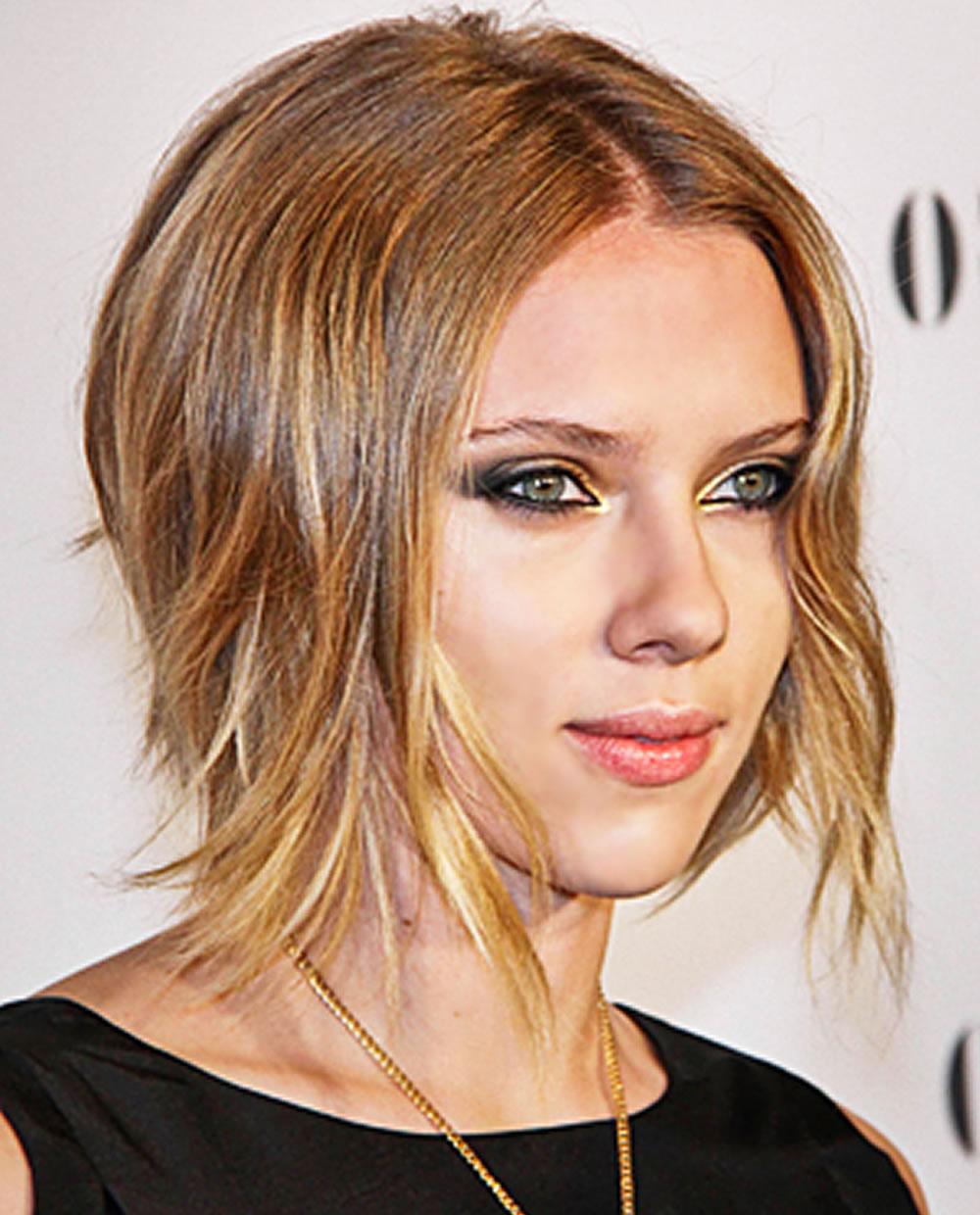 Well Liked Scarlett Johansson Medium Haircuts Intended For Scarlett Johansson's Hairstyles 2018 & Bob+pixie Haircuts For Short (View 5 of 20)