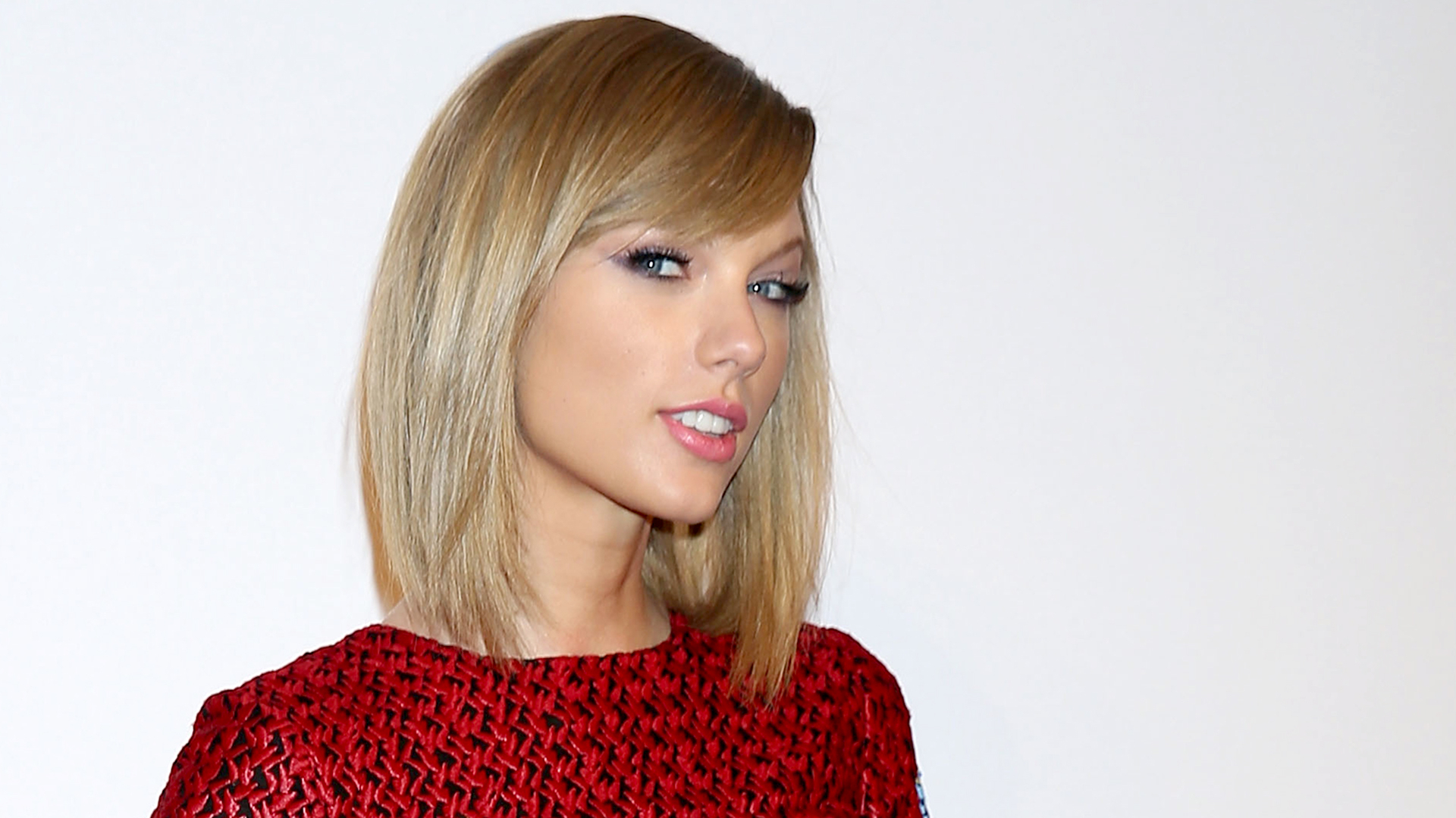 Well Liked Taylor Swift Medium Hairstyles Inside Taylor Swift's Hair Goes From A Bob To A Shag — See The Look! (View 19 of 20)