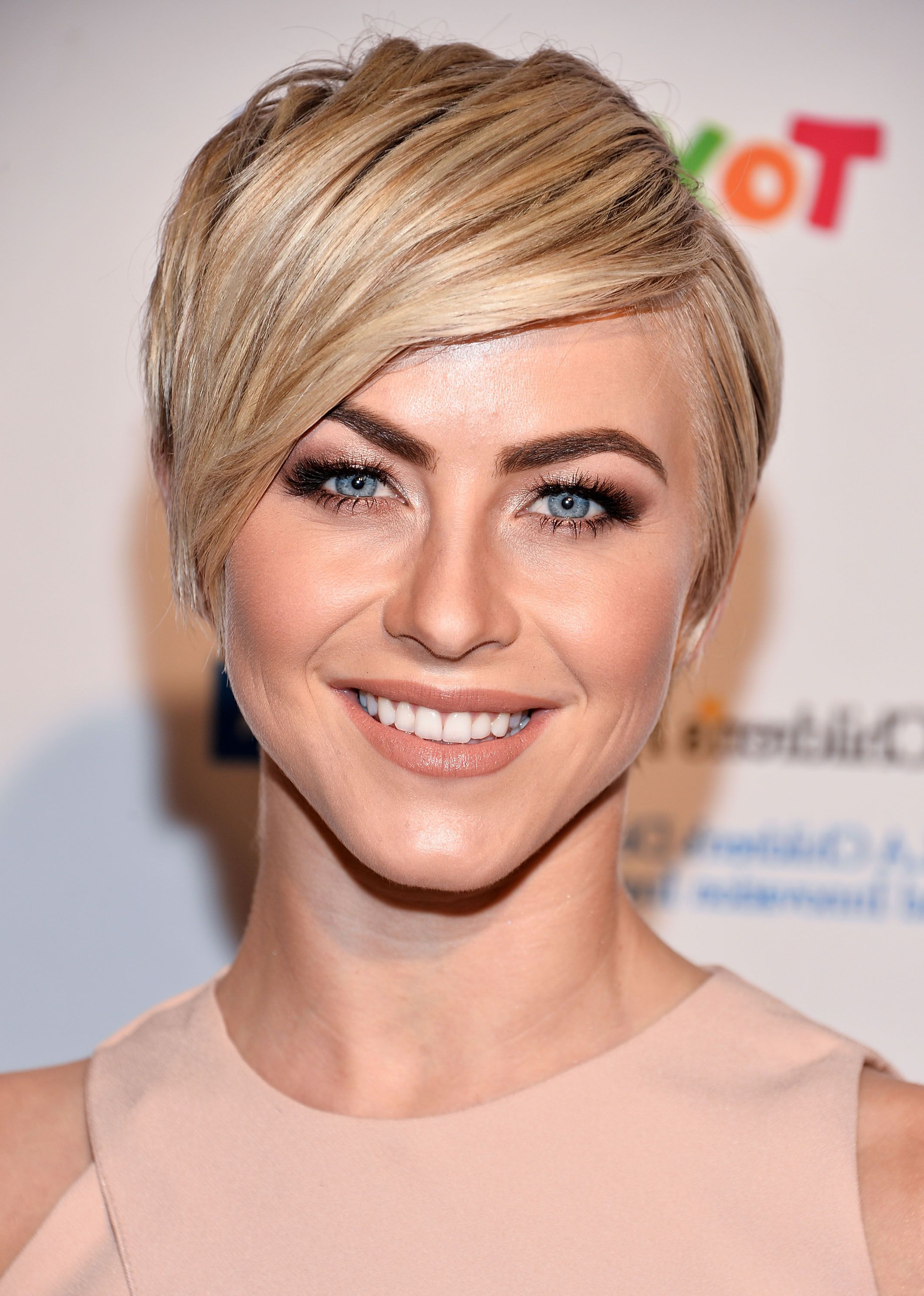 Widely Used Flipped Medium Hairstyles Throughout 40 Best Short Pixie Cut Hairstyles 2018 – Cute Pixie Haircuts For Women (View 19 of 20)