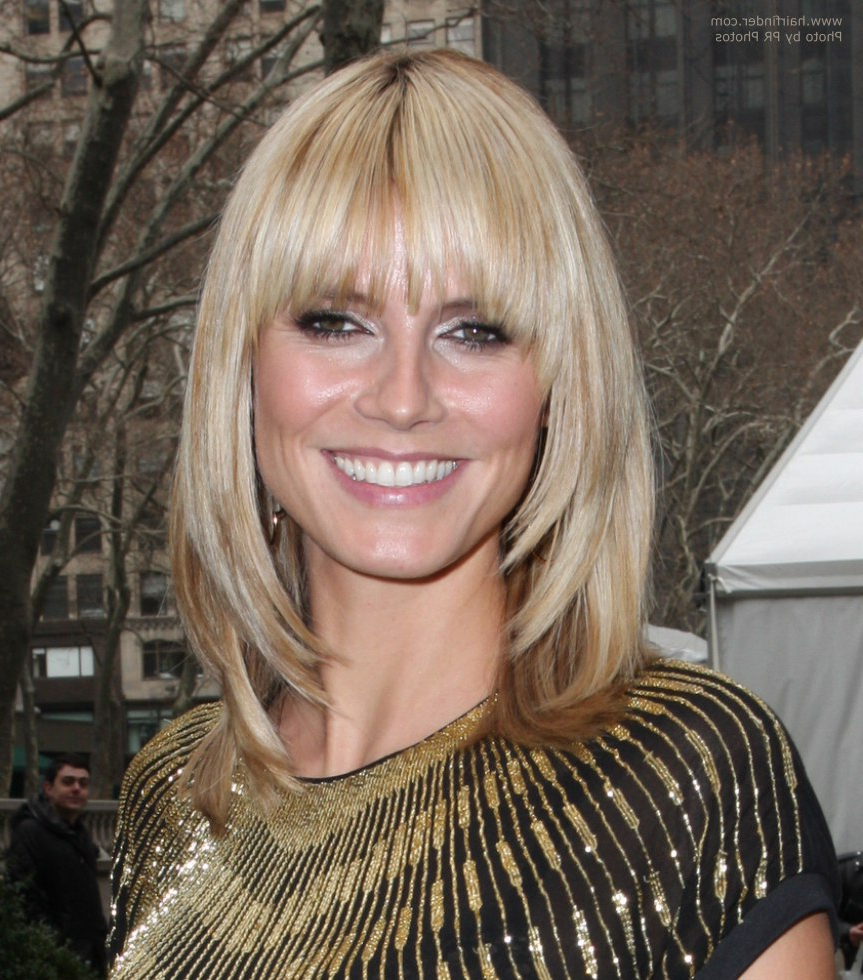 Widely Used Heidi Klum Medium Haircuts For Heidi Klum With Her Hair Cut Just Over The Shoulders (View 3 of 20)
